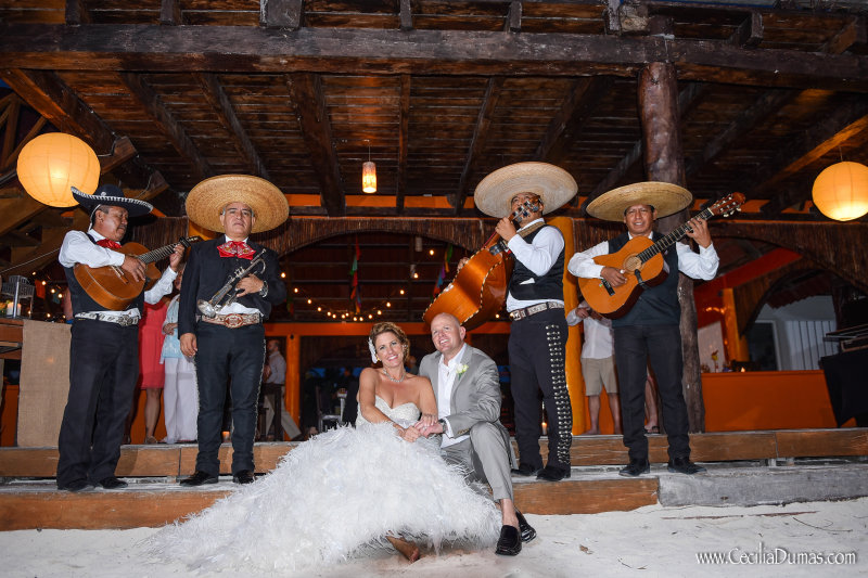Bride and groom with Mexican band